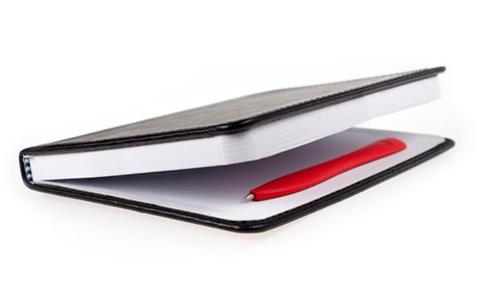 Bobino Slim Pen, заложенная в блокнот