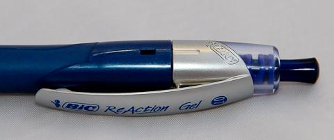 """Ручка BIC Reaction Gel 0.7 - кнопка и """"окошко"""""""
