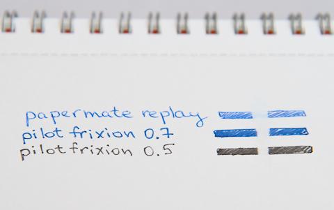 Вид стёртой надписи сделанной ручкой Papermate Replay и роллерами Pilot Frixion