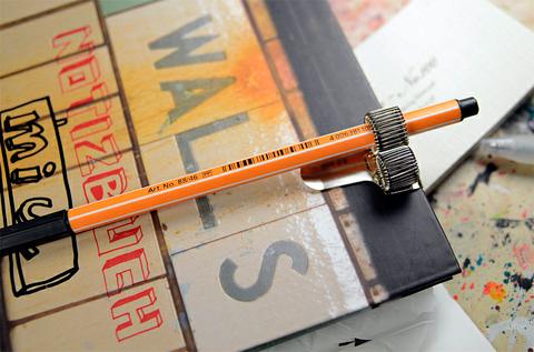 Капиллярная ручка Stabilo и блокнот Walls