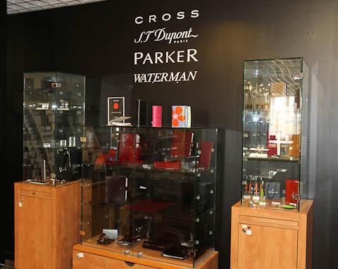 Cross, Dupont, Parker, Waterman в галерее Лафайетт (Ницца)