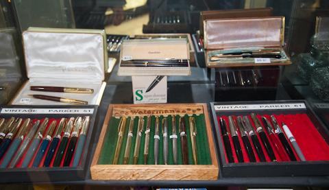 Винтажные ручки в магазине ручек Fountain Pen Hospital