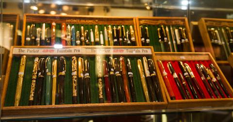 Винтажные ручки Parker и Montblank