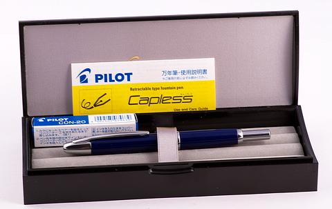Pilot Capless в коробке